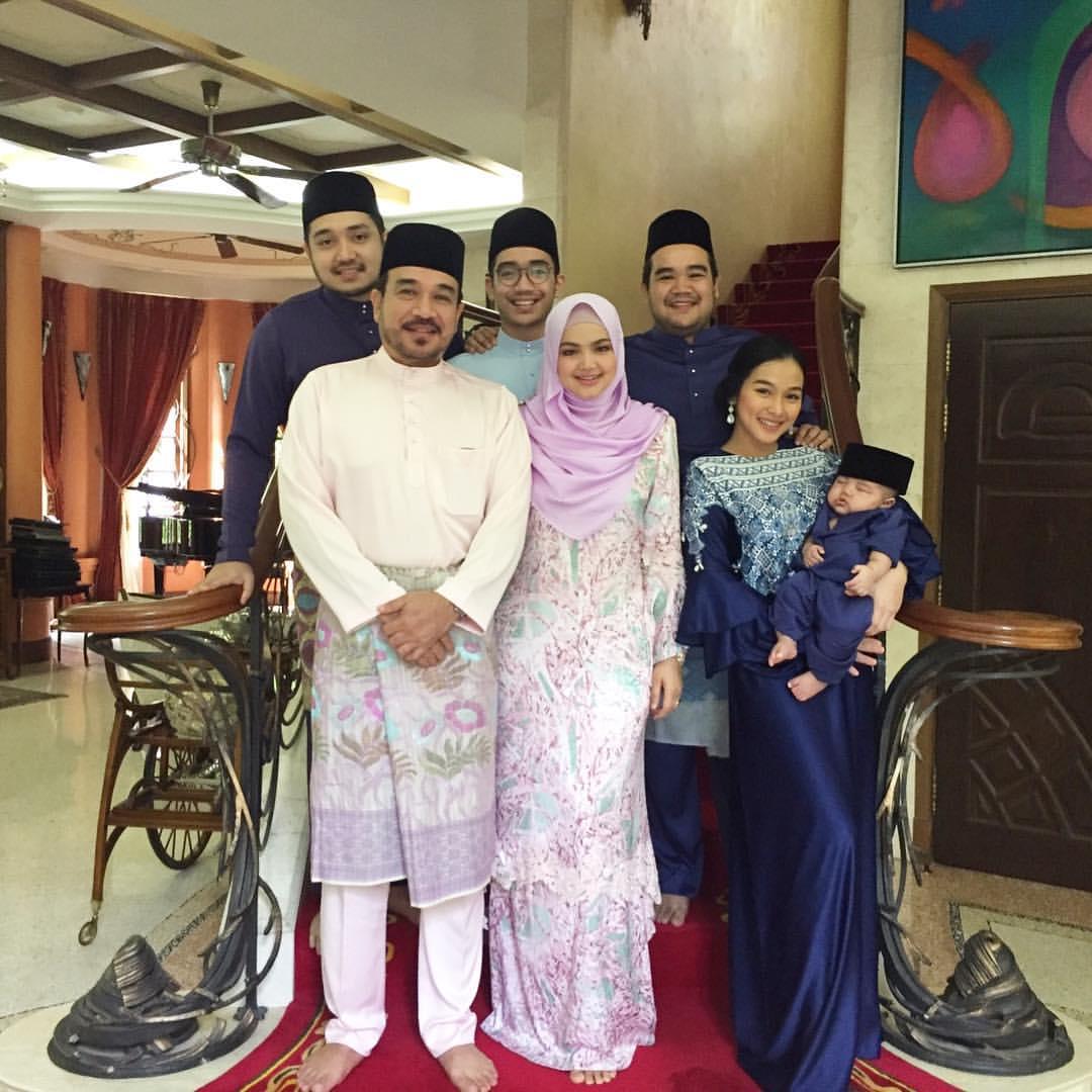 Sekitar suasana hari raya siti nurhaliza gambar berita for Siti di foto