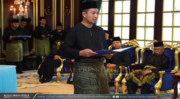 Sahruddin Jamal angkat sumpah sebagai Menteri Besar Johor